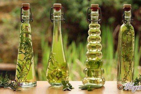 Бутылки с спиртовыми настойками