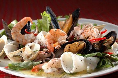 Тарелка с морепродукатами