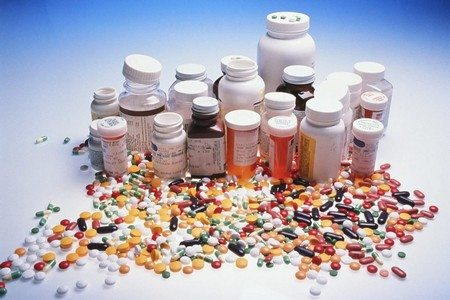 Баночки с таблетками