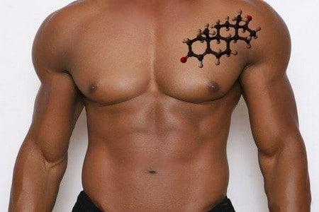 Татуировка тестостерон на груди