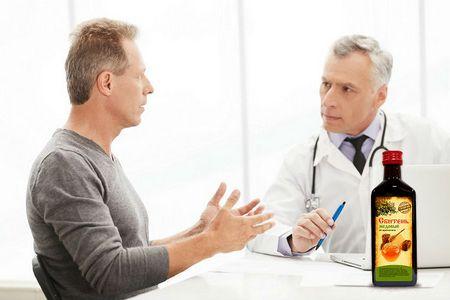 мужчина с доктором и бутылка препарата
